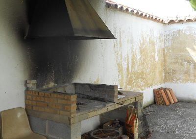 Terraza interior con barbacoa